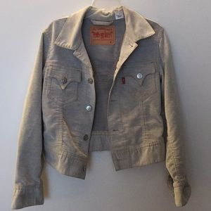 Vintage women's Levi's corduroy jacket. Size M.